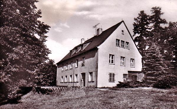 """Krankengebäude (""""Sani-Station"""") in Pionierlager Einsiedel"""
