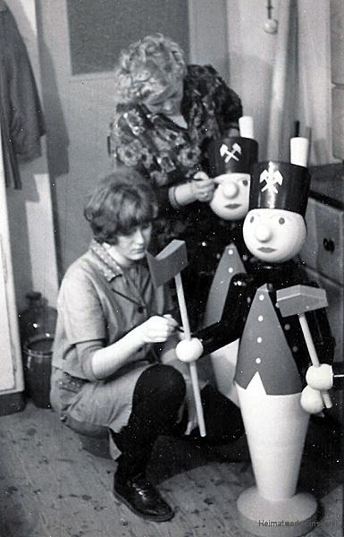 Bärbel und Marga Glöß, Einsiedel 1970