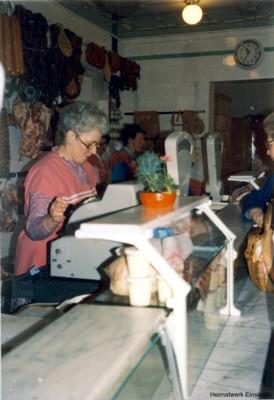 Alte Ladeneinrichtung von 1933 im Jahre 1990