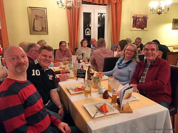 Pyramidenkollektiv 2019 im Café zur Talsperre