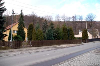 Einsiedler Hauptstr. 42 und 42a im Februar 2007.