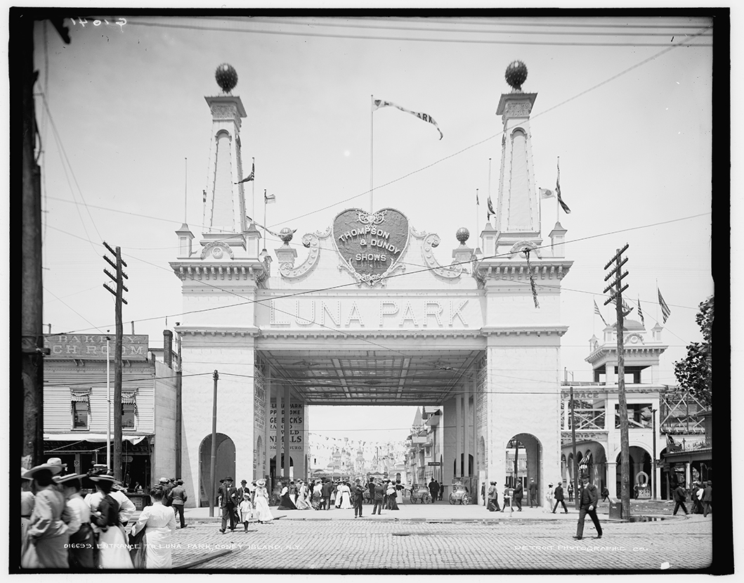 Entrance to Luna Park on Coney Island, 1904.