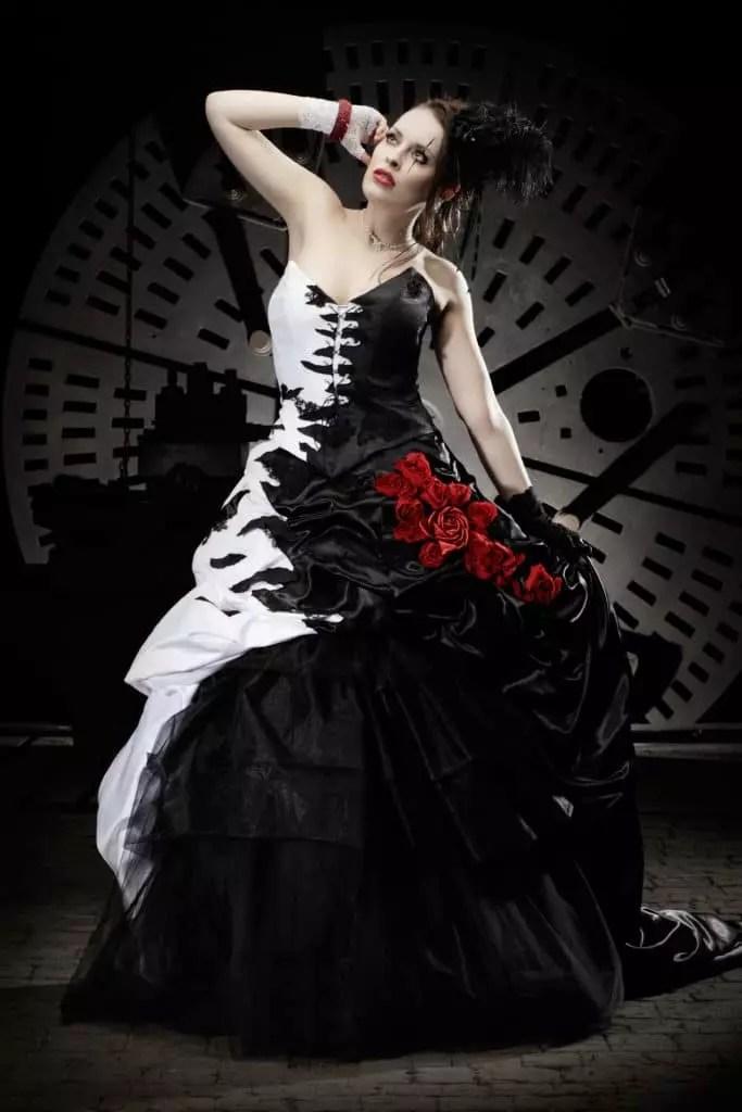 Das Lucardis Feist Brautkleid ist Steampunk vom Feinsten
