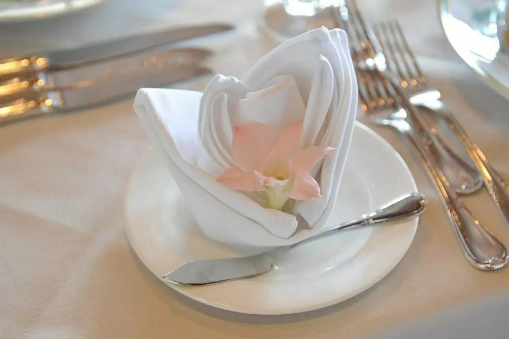 Servietten falten fr die Hochzeit  Heiraten  Hochzeit