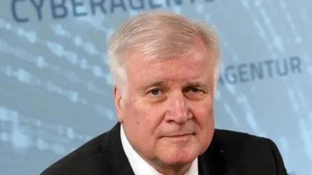 TKG-Novelle: Seehofer fordert Online-Ausweispflicht durch die Hintertür
