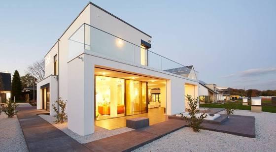 Bei der Premium-Marke im DFH Konzern, der OKAL Haus GmbH, erfüllen die Häuser auch höchste Anforderungen an Design, moderne Technik und Nachhaltigkeit. (Foto: OKAL Haus GmbH)