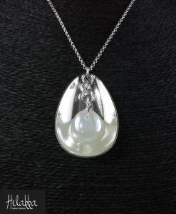 Kaulakoru hopealusikasta valkoinen