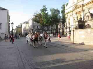 Es gibt so viele romantische Pferdekutschen, dass es nicht mehr romantisch ist.
