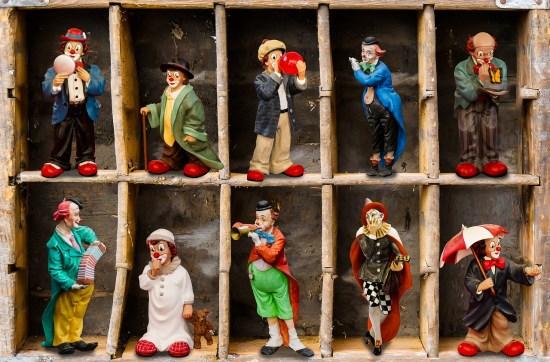compartmentalised figures