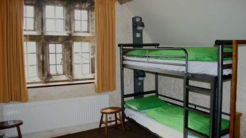 britains youth hostels: perfect for family travel