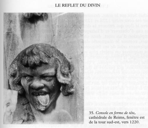 ___l_epoque_gothique_console_grotesque_Reims