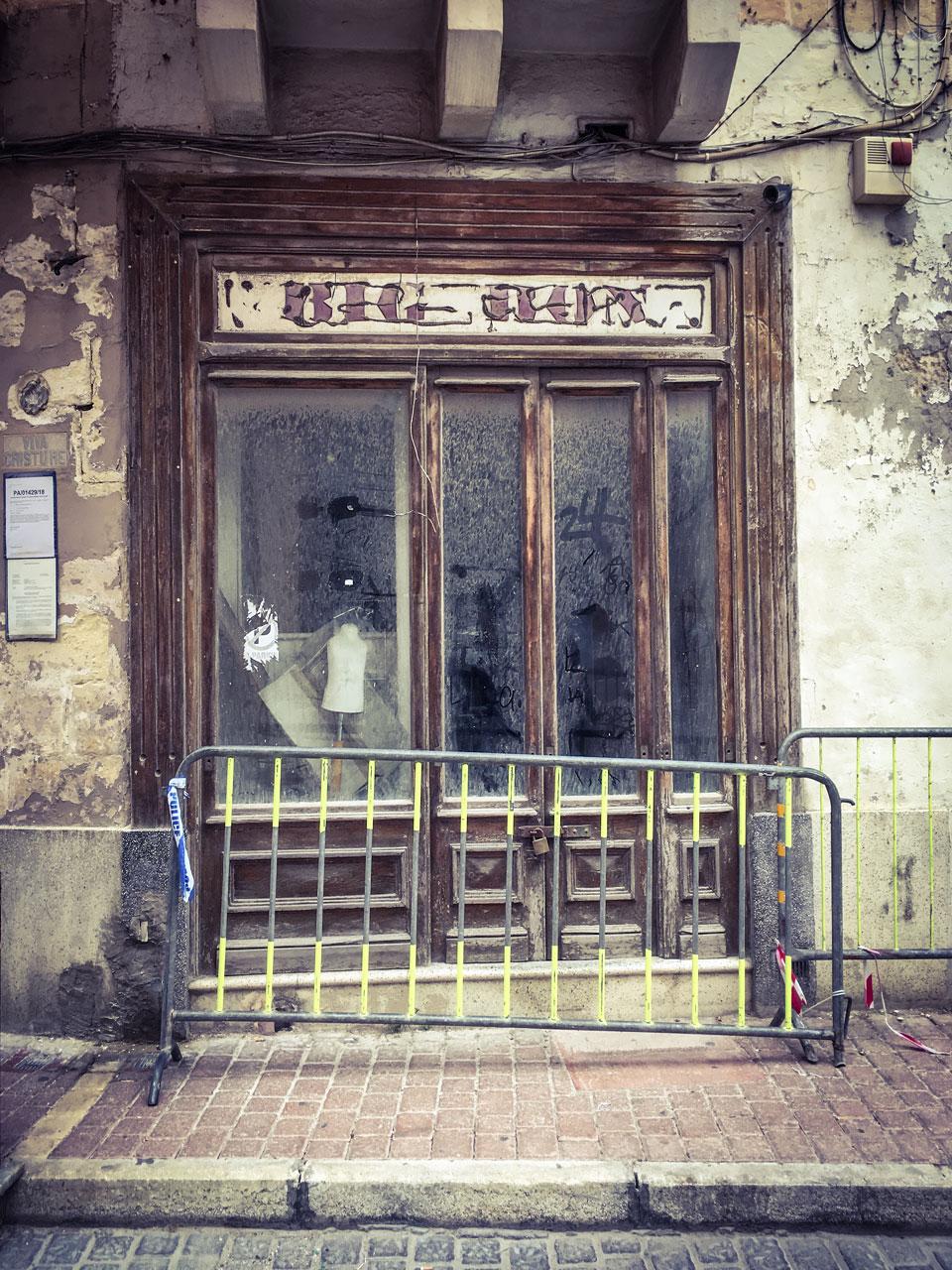 disappearingMalta - BIG GUN vintage storefront, Triq il-Kbira, Birkirkara, Malta - vintage storefront ©Helen Jones-Florio photography prints