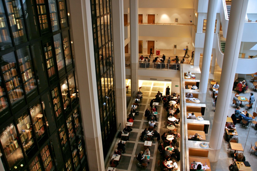 View of the King's Library at the British Library. Photograph by Mike Peel (www.mikepeel.net).