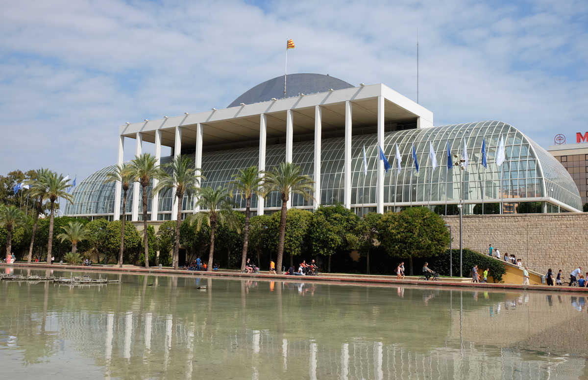 The Palau de la Música fronts on to the Turia Gardens