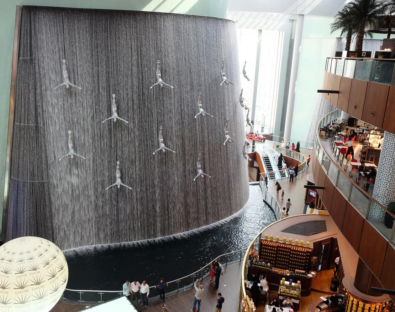 The huge waterfall at Dubai Mall celebrating Dubai's pearl diving history