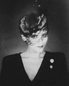 Pillbox Chignon With Veil – 1978