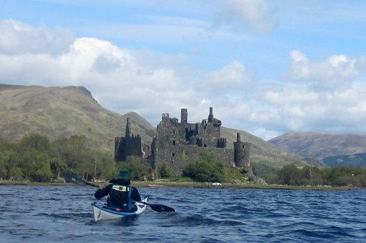 Hugh apracing Kilchurn Castle