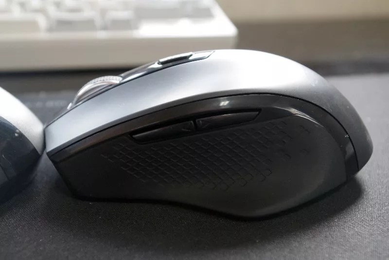 AmazonBasics Wireless mouse 08