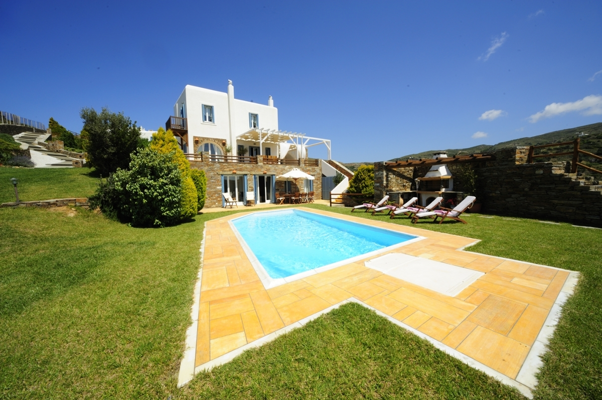 Our family villa with pool in Andros