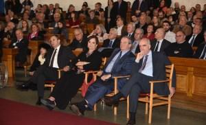 Παρουσία πολλών προσωπικοτήτων της πολιτικής, της οικονομίας και της τέχνης παρουσιάσθηκε χθες στην κατάμεστη από κόσμο αίθουσα της Παλαιάς Βουλής, το βιβλίο του δημοσιογράφου Νίκου Στέφου «Ώρα Ελλάδος, Βουκουρέστι»