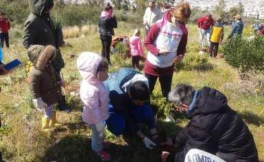 Παιδικός Σταθμός Πυραμίδα δωσε το παρων στην δενδροφυτευση