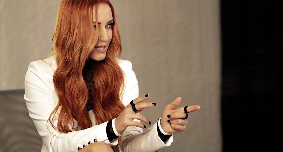 Νέα Kυκλοφορία / Νάιρα Αλεξοπούλου – Παραφέρεσαι – νέο single….+Οfficial video clip…!!!