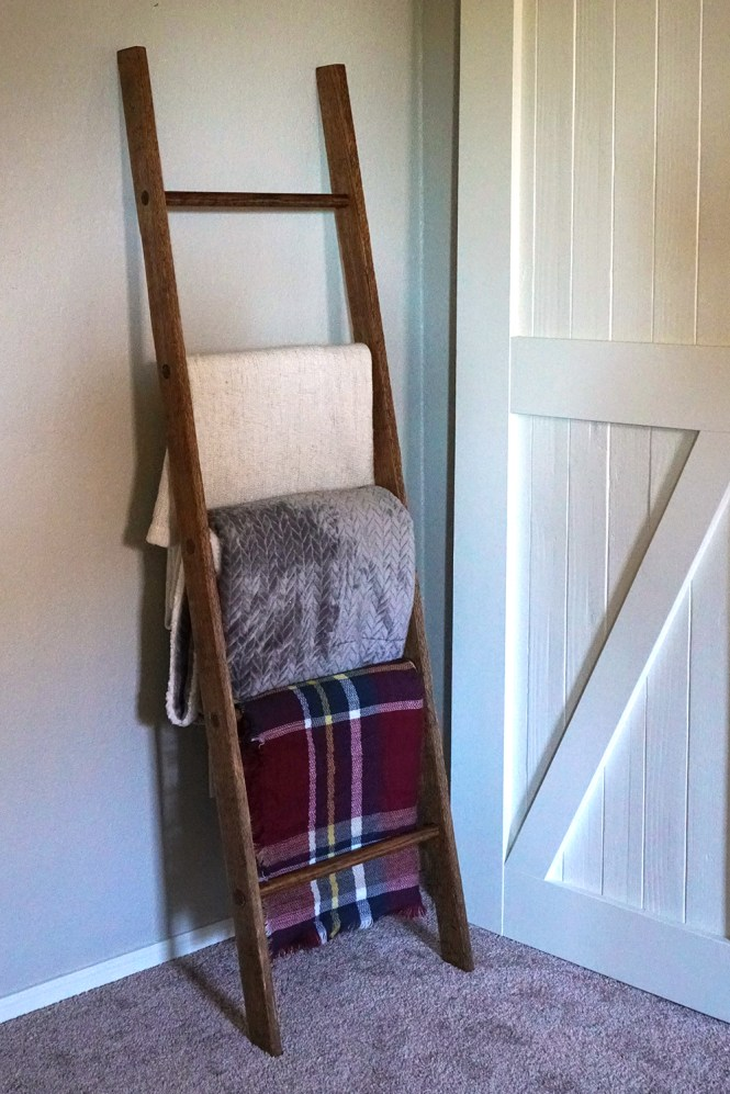 how to make a blanket ladder