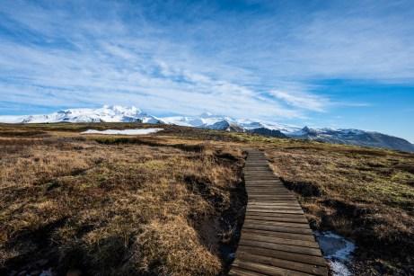 Wanderweg im Skaftafell Nationalpark in Island im Februar