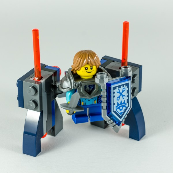 Review LEGO Nexo Knights 70333 Ultimate Robin 16
