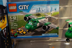 LEGO City 60101 Airport Cargo Plane 1