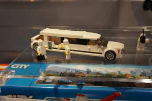 LEGO City 60102 Airport VIP Service 3