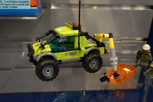 LEGO City 60121 Volcano Exploration Truck 2