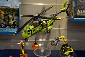 LEGO City 60123 Volcano Supply Helicopter 2
