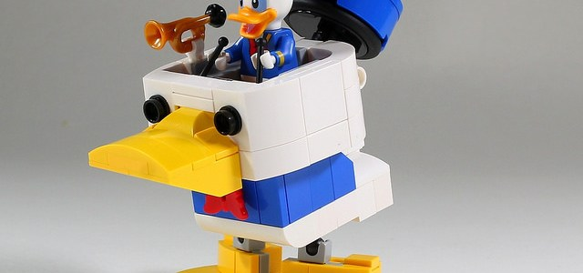 Robot Donald Duck