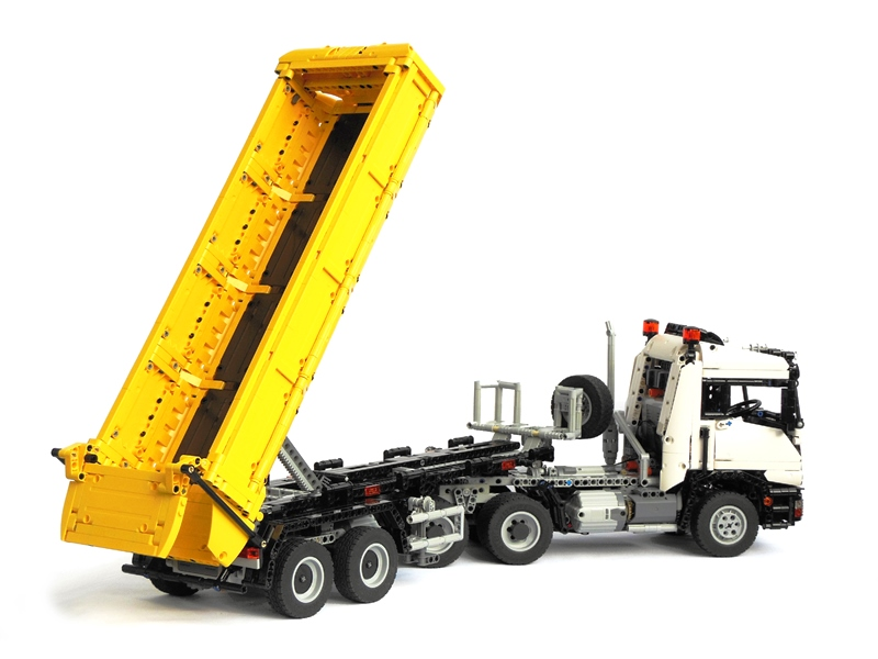 camion lego technic 6x6 totalement contr lable distance hellobricks blog lego. Black Bedroom Furniture Sets. Home Design Ideas