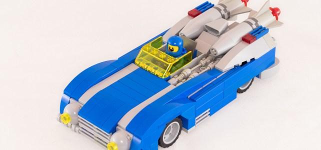 Une voiture de course et un Monster Truck neo Classic Space pour Benny !