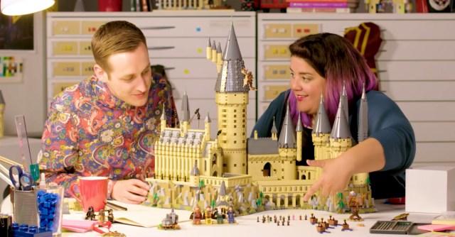LEGO Harry Potter 71043 Hogwarts Castle vidéo designers