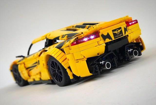 LEGO Supercar Rezvani Beast