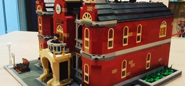 Modular Hidden Side LEGO 70425