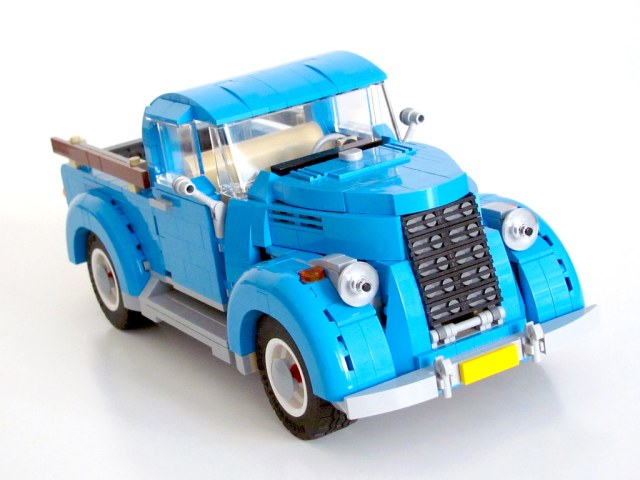 One Set MOC LEGO 10252 Volkswagen Beetle