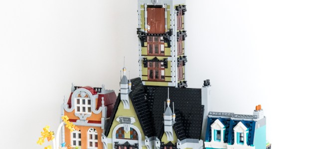 LEGO 10273 Haunted House vs Modular