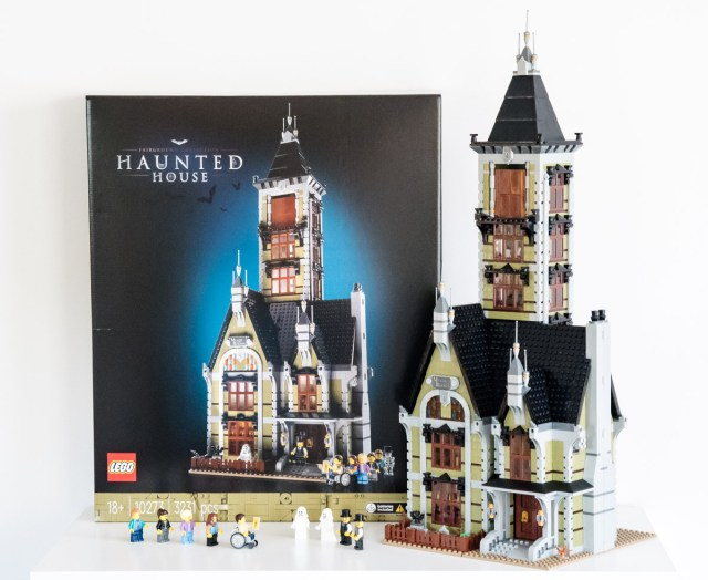 REVIEW LEGO Fairground Collection 10273 Haunted House