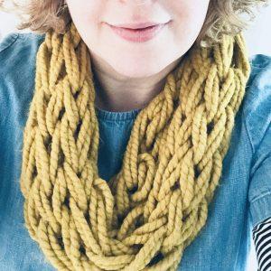 Arm knit a cowl