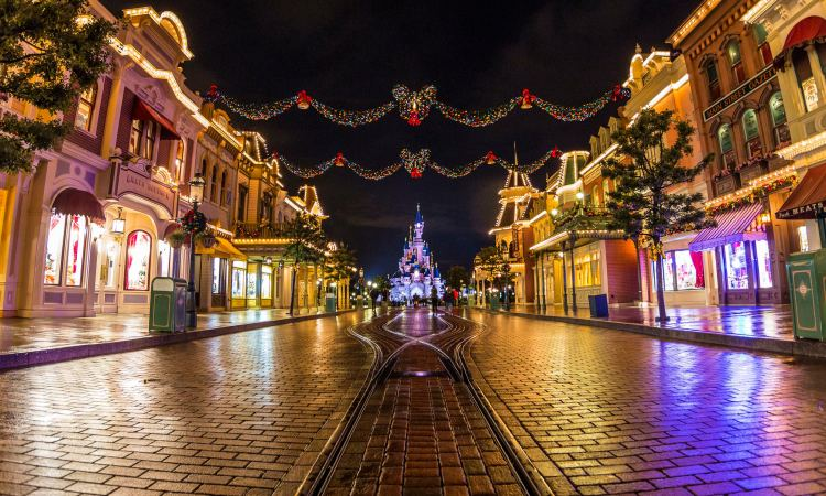Chateau disney Noel 2015 à Disneyland Paris