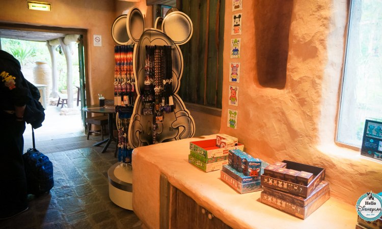 Pueblo Trading Post Boutique Pin Trading Disneyland Paris
