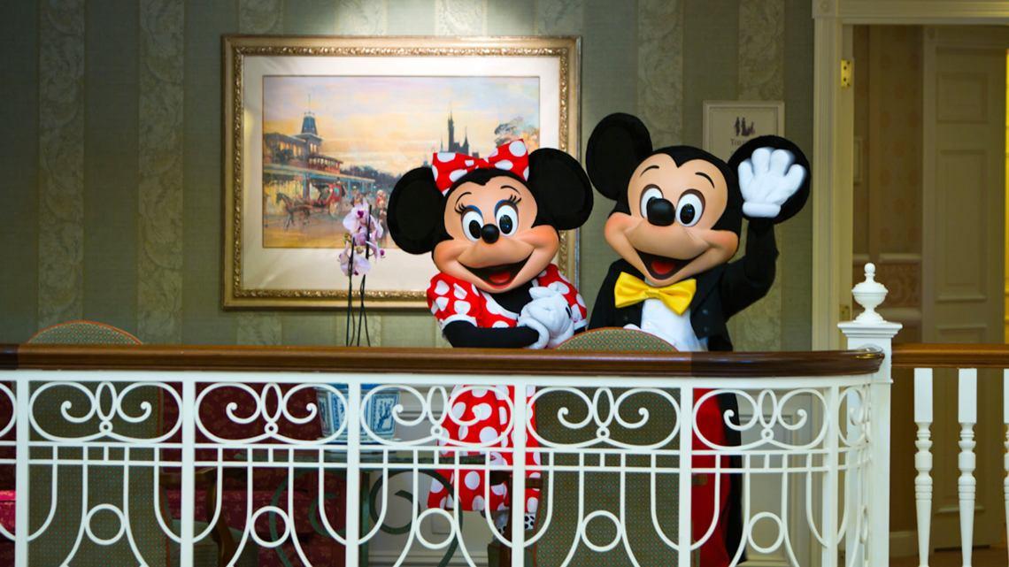 Petit déjeuner : Manger avec des personnages Disney