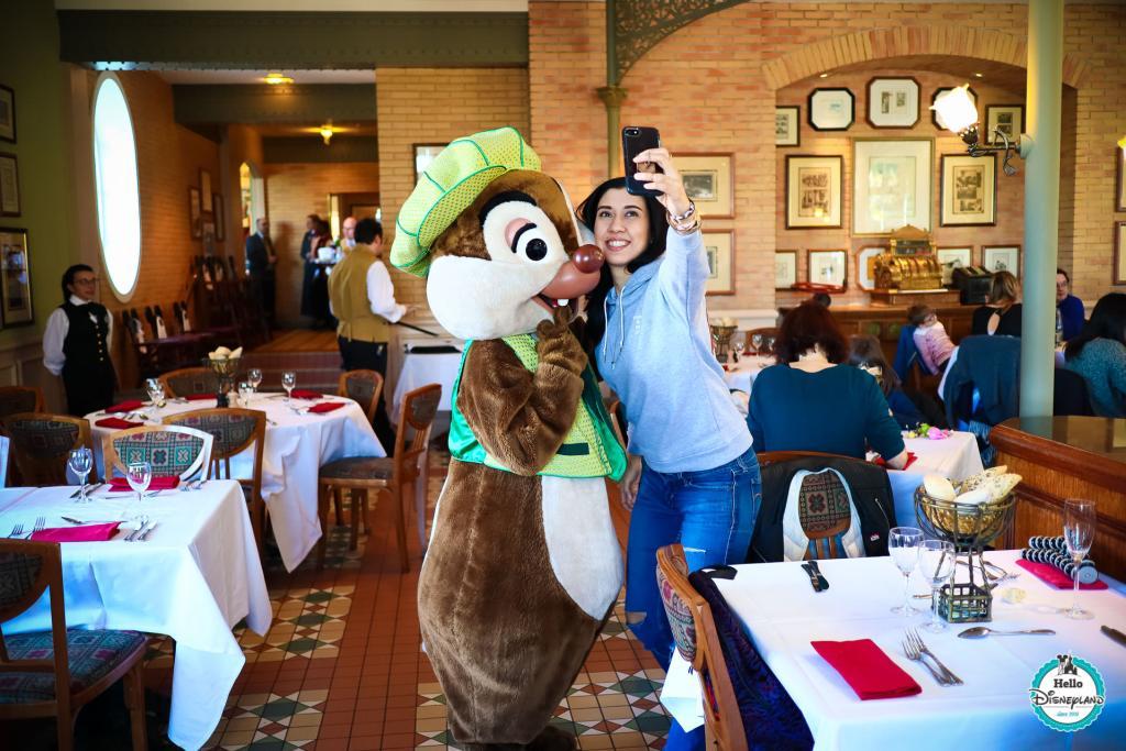 Brunch Personnages Disneyland Hotel - Disneyland Paris