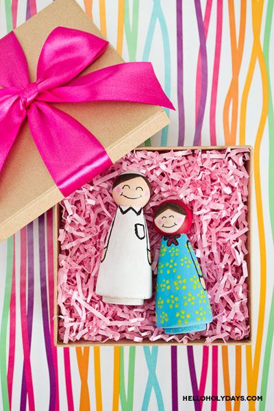 Homemade Ramadan Gifts: Painted Wooden Dolls - Hello Holy Days!
