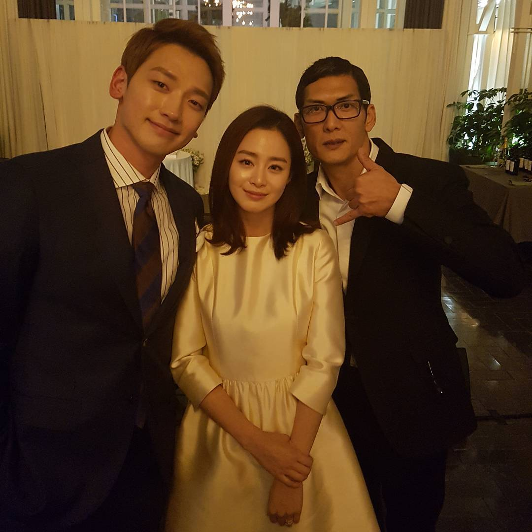 More Photos Released From Rain And Kim Tae Hee's Wedding