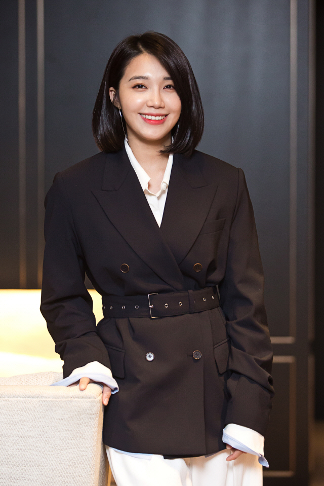 Jung Eun Ji Talks About Her Latest Movie, Roots For Apink's Future